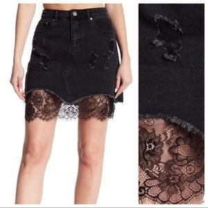 NWT Romeo and Juliet Couture Denim Skirt Size S,M.